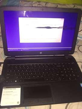 Laptop HP Slim 15 pulgadas respuesto