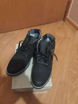 Zapatos tipo botines