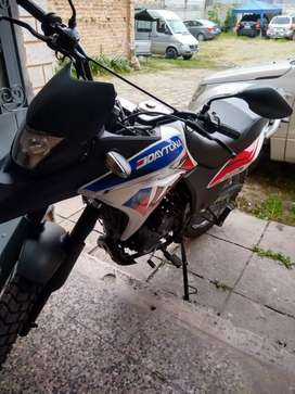 Venta de moto marca DAYTONA DY250 RX