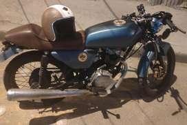 Moto AKT SL modificada Caf Racer muy bien precio