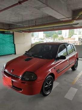 Vendo RENAULT CLIO 2002