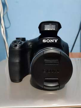 Cámara Sony H300 20.1 MP x35