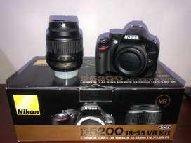 Nikon d5200  lente 18-55 en perfecto estado