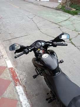 Vendo moto pulsar NS 200 BSIV modelo 2021 como nueva al dia de todo