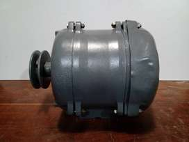 Motor trifásico 3hp  900 rpm