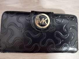 Billetera de mano para mujer  marca Michael Kors 100% original