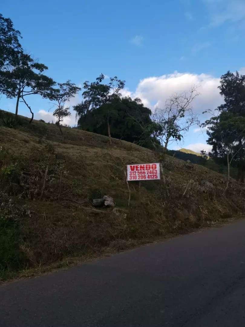Lote vía Iscala 16mil metros, al borde de carretera.Venta directa 0