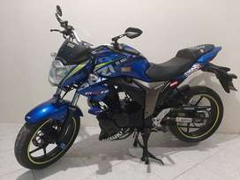 Vendo moto Suzuki Gixxer Edicion Gp 300excelentes condiciones