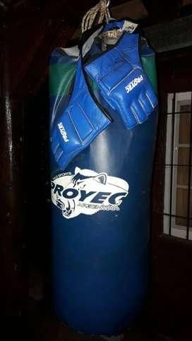 Bolsa de boxeo más guantes