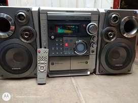 Equipo de sonido Samsung con doble subwoofer