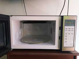 Horno Microondas HACEB grill