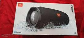 JBL xtreme 2 en caja con sus accesorios estado 9/10 solo desgastes de uso