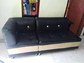 Se venden muebles en cuero color negro