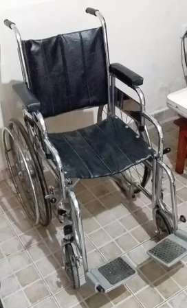 Silla de ruedas usada impecable