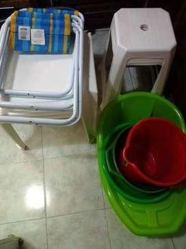 juego de latonas,balde,butaca,mesita de plastico,