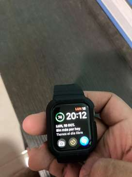 Apple watch SE de 40 mm con case protector spigen