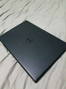 Notebook DELL core Intel i3-6006u, meses de uso toda original impecable!! Aceptó celular y efectivo