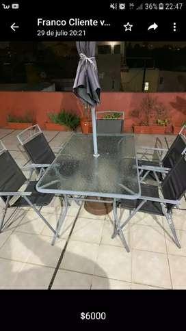Mesas exterior con 5 sillas con sobrilla