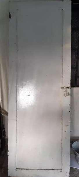 Vendo puerta en hierro
