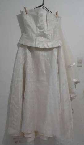 Hermoso vestido de novia en remate brillante corcet talla M