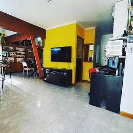 FINANCIO casa ph, con comercio trabajando y garage doble. bo. don bosco. doy cuotas en pesos
