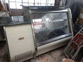 Vitrina Mostrador Refrigerada Super Nordico y congelador paletero