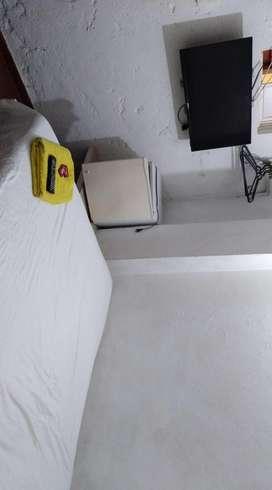 Arriendo habitacion, Cartagena av, Crisanto Luque, Dg,22.40-35