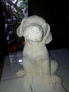Perro alto de yeso para pintar 24 cm de alto x 18 cm de ancho