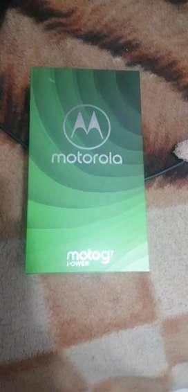 Vendo Teléfono Moto G7 Power lo entrego con caja,cargador original, forró y vidrio templado.