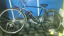 se vende  bicileta antigua exelente