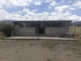 De oportunidad se vende casita de campo ubicada en pujili