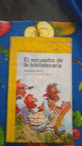 LIBROS ORIGINALES EN MUY BUENAS CONDICIONES.