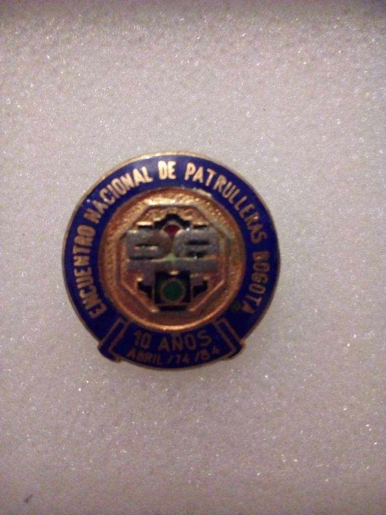 Botón Pin, colección DATT ( Tránsito y Transporte )  conmemorativo 1984 0