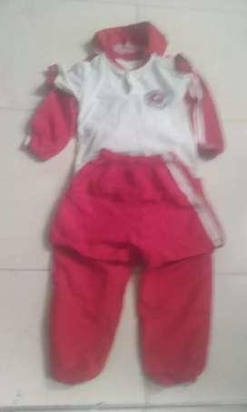 Vendo uniforme del colegio LUIS CARLOS GALAN