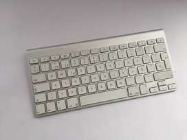 VENDO TECLADO APPLE ORIGINAL