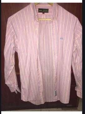 Vendo camisa LA MARTINA talle S le va a un talle XL