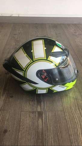 Se vende casco AGV Gothic nuevo con defectos de fabrica talla MS