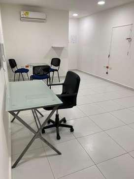 Arriendo oficinas amobladas con aire y escritorios