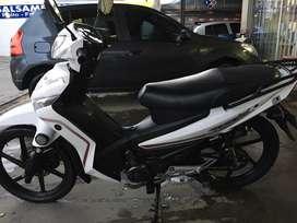 Vendo moto semiautomática