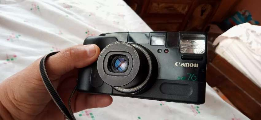 Camara Canon Autoboy ZOOM 76 0
