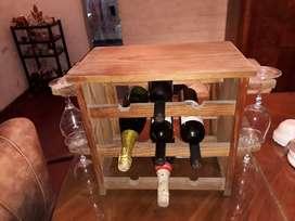 Vendo vinoteca muy práctica