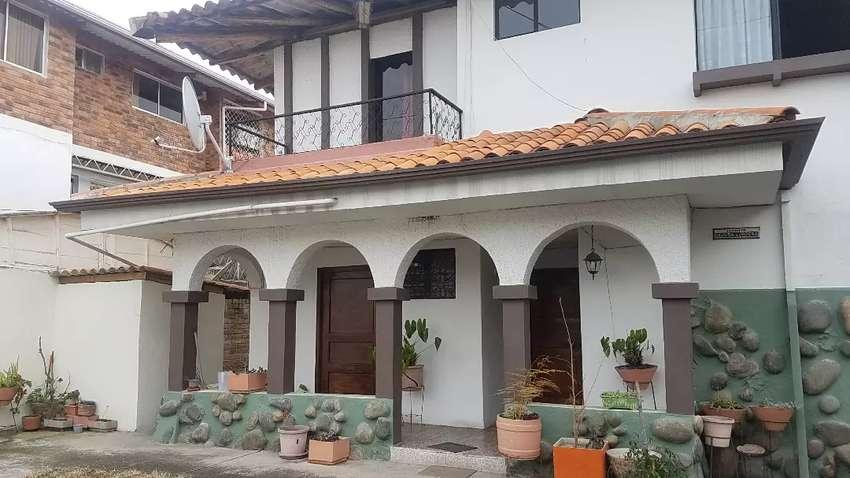 De venta casa con amplia area verde excelente ubicación tras la universidad ideal para edificación, comercio sucre batan 0