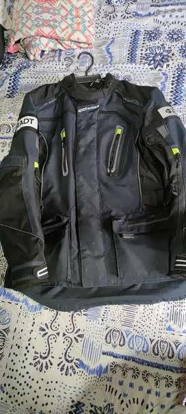 Vendo chaqueta ADT Motowear
