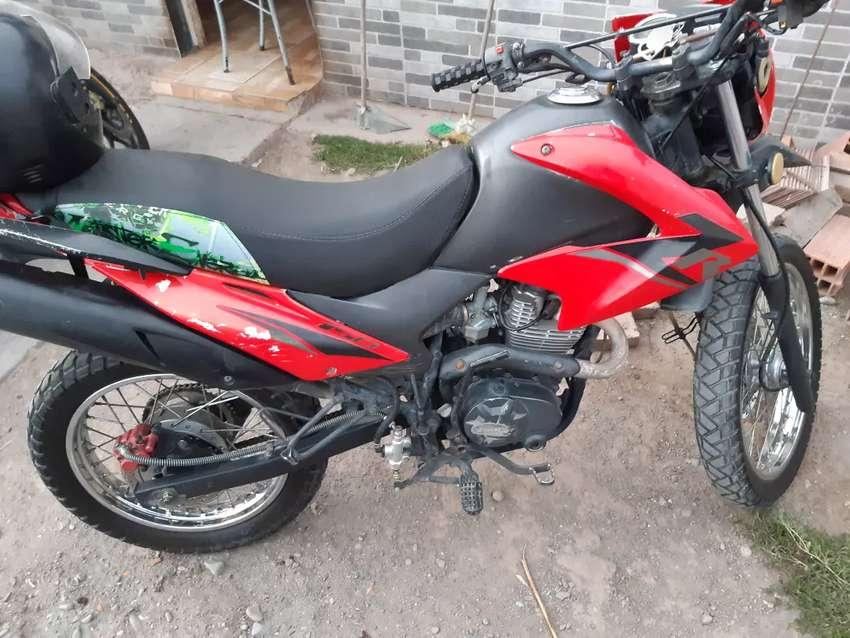 Moto zanella zr150 0