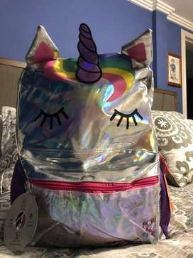 Hermosa mochila american marca wonder nation para niña con figura de unicornio