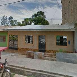 Casa en venta con patio amplio con buena ubicación en  Morales ( cerca al grifo pacifico, restaurantes, condominios)