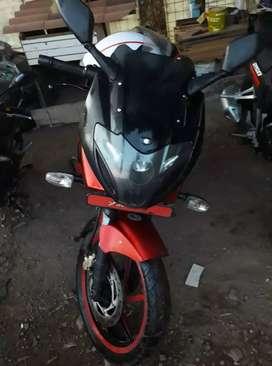 Se vende Moto pulsar a 1800 negociables  del año 2013 motor 220 f
