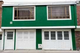 Casa con 5 apartamentos y 2 locales en suba