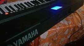 Piano Yamaha Profesional Psr-s650