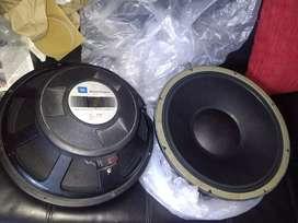 Parlantes JBL de 15 son medios de alta gama originales modelo E130_B 400 RMS